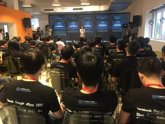 Hundreds of technology talents join AI Edtech Asia Hackathon co-organized by Topica, Facebook, and Google.